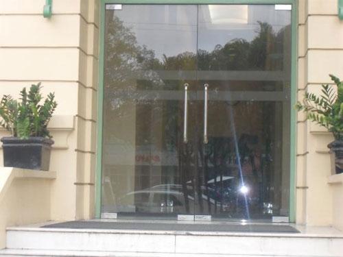 Địa chỉ lắp cửa kính – cửa kính cường lực giá rẻ và uy tín nhất tại Tphcm